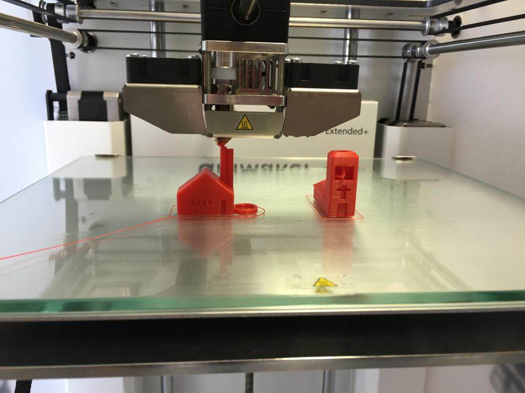 Impresora en 3D con muestras